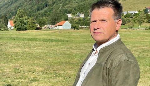 TEK KAMPEN: Leiar for gamle Nordfjord jordskifterett, Eivind Helleland, går til sak mot staten.