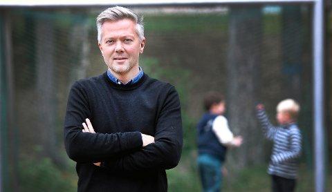 60 LAG VEKK: Gaute Brovold, daglig leder NFF Telemark, er urolig etter at 60 lag er vekk. – Det er klart vi er bekymret - samtidig som vi ikke skal svartmale for mye og bare skylde på koronapandemien og den lange pausa, sier Brovold. FOTO: Ole Martin Møllerstad