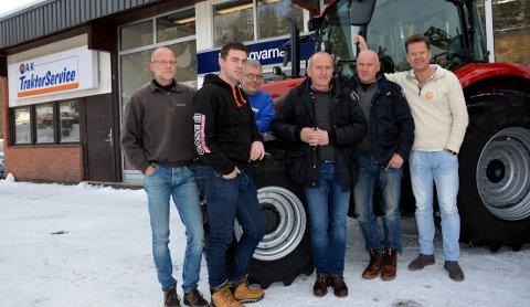 Viktige personar i A-K Maskiner: f.v. Edgar Bens, Lars Øystein Haganæs, Kjell Inge Jevnesveen, Bjørn Vare, Iver Svare og Erik Grefberg.