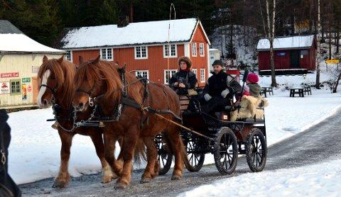 Skarke på Valdres Folkemuseum: 4. desember vil dombjøllene på nytt klinge på Valdres Folkemuseum.