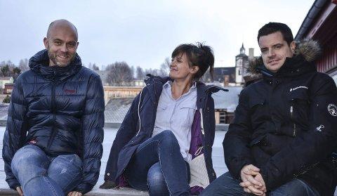 UTE MED SINGEL: Firkløveret i Save Me Barry er ute med ny singel. Her ved tre av dem, fra venstre Vegar Dahl, Ane Linn Haagaas og Erik Roll. Foto: Guri Jortveit