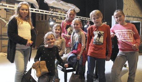 Putti Plutti Pott er bare ett av utrolig mange eksempler på hva lokalt kulturliv presenterer på Røros. Disse barna har vært med på Putti Plutti Pott mange ganger. Nå er de klare for nye forestillinger. Fra venstre: Ingrid Tronsmoen Bakken, Agnes Taarnesvik Løvø, Nora Oterhals Haagaas, Sienna C. Krøyserth, Peder Angel Langen og Heidi Sofie Sandnes Rynning. Foto: Henning Smedås.