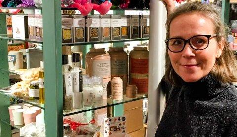 Toril T. Johansen skaper ny profil på bokhandelen i Ås Kvartal, og skifter blant annet ut de fleste høye reolene.