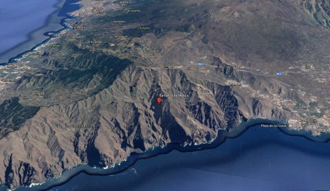 En 57 år gammel norsk kvinne mistet livet da hun falt fra 7 meters høyde på en fjelltur i Barranco de Masca på Tenerife lørdag. Foto: Google Earth