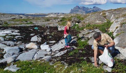 I Steinsvær fikk Ellen og Birger hjelp av Tore Fauli og datteren Lilja.