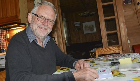 Klar til dyst: Kjell Tore Finnerud (Ap) har grunn til å smile etter at Arbeiderpartiet ble Senterpartiets utkårede i Sigdal de neste fire årene. Selv blir han varaordfører.