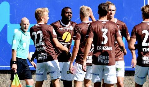 MYE MIF-JUBEL: MIF-spillerne har hatt mye å juble for i det siste. Tirsdag kveld er Åsane motstander på Isachsen Stadion.