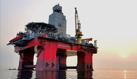 BORER DUGONG: Deepsea Yantai, ein ny halvt nedsenkbar rigg eigd av CIMC og drifta av Odfjell Drilling.