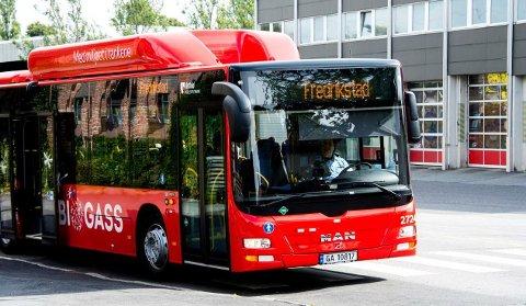 GRATIS BUSS? Billigere busser, flere og tidligere avganger og nærmere bussholdeplasser står høyt på ønskelista hos FBs lesere.