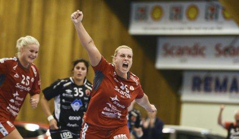 TENT: ventetiden er endelig over for Pernille Huldgaard Christensen. Onsdag er hun tilbake på banen for FBK i cupekampen mot Aker som starter klokken 19.00 i Kongstenhallen. Foto: Geir A. Carlsson