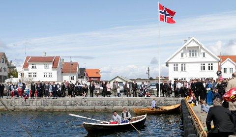 Karmøy 17052015 Åkrehamn. Kapproingen samlet relativt mange tilskuere.