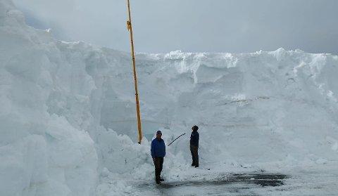 Det er fortsatt snørikt i Korgfjellet. Her er høyden 5,40 fra asfalten på gamle E6.