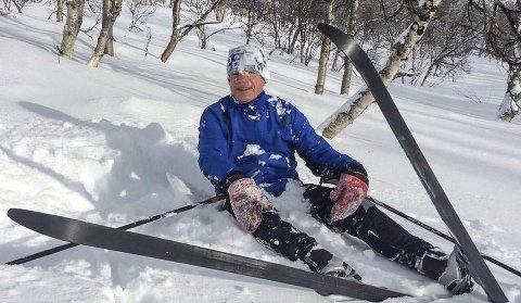 AKTIV: Anders Brunes ble pensjonist i fjor, og synes det er viktig å fylle tida med aktivitet. Som musikk – og skigåing. Foto: Privat