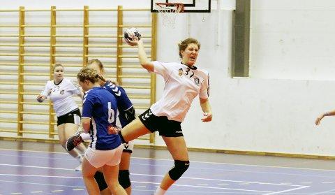 Gikk foran i bataljen: Mari Svele satte standarden, og endte opp som toppscorer med åtte mål, Fulgt av Elen Svele med seks mål og Andrine Tandberg med fem. Foto: Pål Nordby