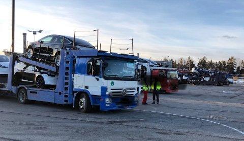 KJØREFORBUD: Vogntoget hadde så mange mangler at det ikke fikk kjøre videre fra Svinesund.