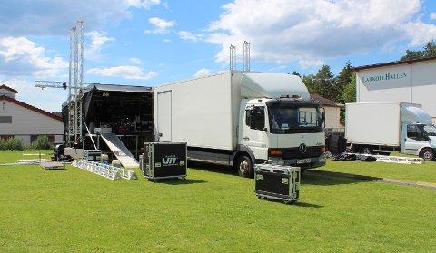 Scenen til Larkollen Sommerfestival mangler bare lys og lyd, så skal alt være klart til i kveld.