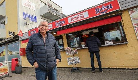 FULL FART: Det er nesten alltid kunder i Gobua på Høyda. Nå som Øystein Tor Johannessen gir seg, håper han en ny driver kan være på plass fra nyttår.