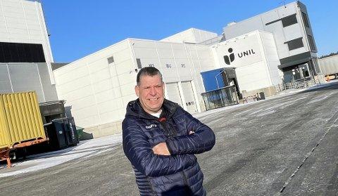 I VEKST: Jarle Erlandsen Hagen er Supply Chain Manager for Unils gigantiske lager i Våler. Nå er det store ting på gang, og trolig vil Norgesgruppen som står bak Unil, investere 300 millioner kroner i en utvidelse.
