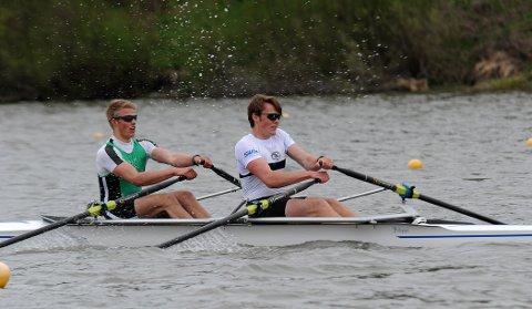 PALLPLASS: Nicolay Bjønnes Yngsdal rodde inn til en fin andreplass sammen med Bærums Andreas Ericsen Bjerge. Foto: Solfrid Therese Nordbakk