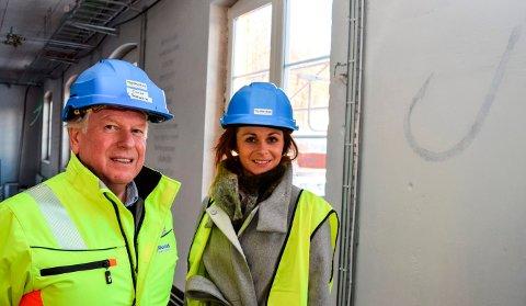 SATSER: Mustad Næringspark, her ved daglig leder Terje Solheim, satser 45 millioner kroner på det nye Bright House. Brooke Schjellerud fra Gjøvikregionen Utvikling skal være vertskapsansvarlig.