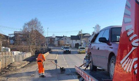 PÅKJØRSEL: En bil kjørte inn i en annen bakfra på fylkesveg 244 sør for Lena sentrum tirsdag morgen.