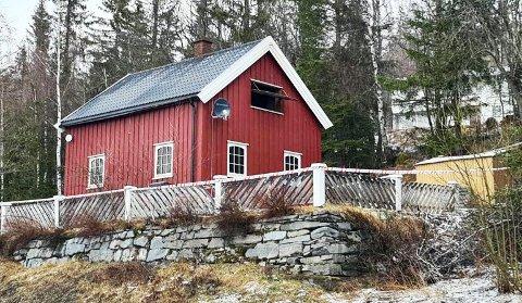 OMKOM: Pårørende er varslet etter at en husbrann krevde et menneskeliv i Valdres mandag kveld.
