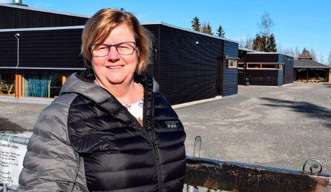 FÆRRE SØKERE: Selv med tilbud om barnehageplass også til søkere uten rett til plass står barnehagesjef Toril Walby van Dijkt i Østre Toten med 60 ledige barnehageplasser.