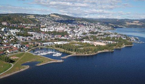 HOTELLENE: Gjøvik-ordfører Torvild Sveen sier til NRK Innlandet at det kan være aktuelt å opprette plasser for karantenehotell i Gjøvik. Tirsdag avholdes et møte med bransjen.
