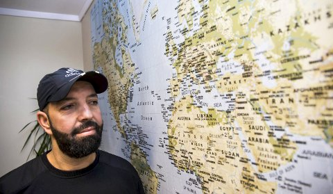 Lang reise: Amir var et helt år på flukt før han endte opp i Larvik. Nå er han glad han har fått familien sin til Norge, og kan begynne på sitt nye liv her. Foto: Nils-Erik Kvamme