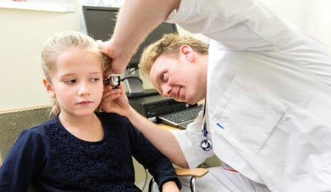 Et nytt oppslagsverk skal gjøre det lettere for legene å gi barn legemidler i riktige doseringer. Foto: Gorm Kallestad, NTB scanpix/ANB