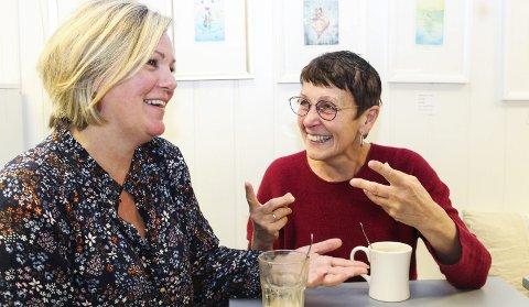 Inviterer for kreftsaken: Anne Grimstad Fjeld (t.h.) har bakgrunn som profesjonell musiker, med Spellemannsnominasjon bak seg. Snart skal hun ut på turné til inntekt for kreftsaken og fredag inviterer hun og Nina Høier til utlodning og foredrag på Fredtun. Foto: N. Blix
