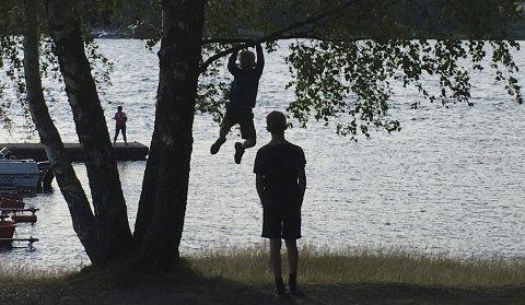 BARNEVERN: Det var totalt 113 barn som fikk hjelp av barnevernet i Rakkestad kommune i fjor. Dette er 19 flere enn året før. Illustrasjonsfoto