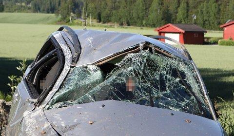 TIL SYKEHUS: En mann i 30-årene blåste til over lovlig verdi etter å ha kjørt av veien.