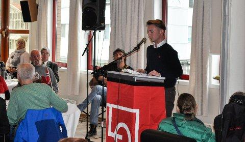 UNG LEDER: Audun Movinkel Jull, leder i Sandefjord AUF, holdt appell på Folkets hus 1. mai.