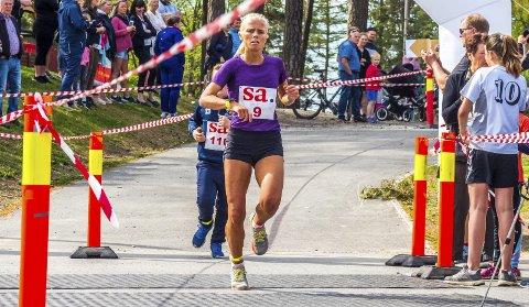 VANT IGJEN: Julie Larsen (19) fra SIL vant SA-løpet i 2017. I fjor måtte hun nøye seg med å se på grunnet skadeplager. I år var hun tilbake og vant kvinneklassen foran klubbvenninnen Malin Søtorp Solberg. Julie er glad for at skademarerittet nå ser ut til å være over.ALLE FOTO: TOBIAS NORDLI