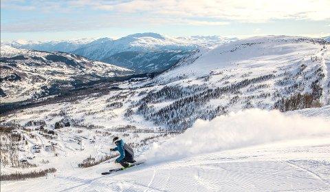 SNØ: Finvêret for tida gir låge temperaturar om natta som held snødekket intakt. Det betyr at det kan bli greie skiforhold fleire stader på Vestlandet i påsken. (Arkivfoto)