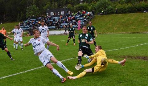 I FORM: Even Østensen reddet poeng for Viking mot Sarpsborg 08 på søndag. Bildet er fra da han spilte for Viking 2 mot Staal tidligere i år.