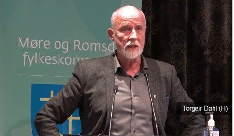 Torgeir Dahl () syntes ikke noe om å ta opp Møreaksen som ekstrasak i fylkestinget.