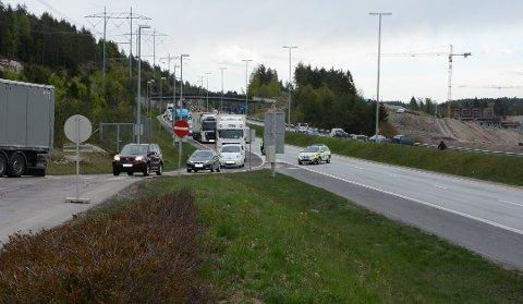 Trafikken har økt vesentlig, og mye mer enn forventet, på E6 mellom Vinterbro og Klemetsrud i Oslo. Her fra en storkontroll på Taraldrud i fjor.