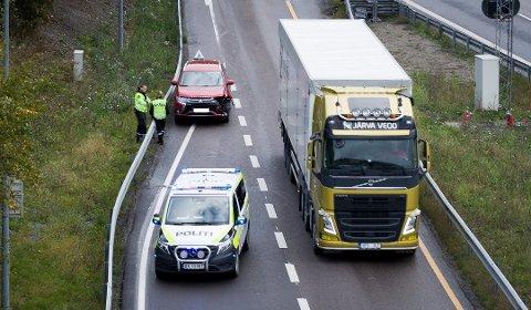 En bilist kræsjet i autovernet på E6 på Vinterbrosletta mandag morgen