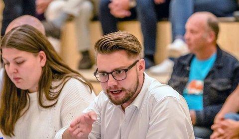 FULL REVISJON: Forvaltningsrevisjon er grundige eksterne gjennomganger, sier leder av Kontrollutvalget Sverre Strand Teigen (H). Nå skal tilbud og arbeidsforhold med omsorgsinstitusjoner i Ås gjennomgås med forvaltningsrevisjon.