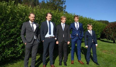 Her står alle fem Vågstøl-brørne: Robin, Eirik, Even, Simon og Martin.
