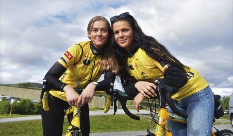 Yngst: Sunniva Myrvang (22) og Anna Lyng (19) er de yngste på Salten-laget som sykler til Paris i år. Men å være yngst er ikke noe problem i følge dem. De er fulle av lovord om resten av gruppa som er med på tur.Foto: Kristoffer W. Pettersen