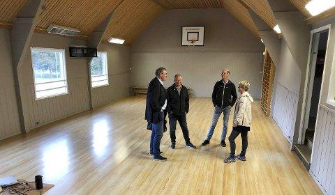 Nærmere målet:  Alle som jobber med å få bygd nytt allaktivitetshus på Innhavet ønsker å komme seg ut av det gamle ungdomshuset, en ombygd tyskerbrakke fra krigens dager, snarest .