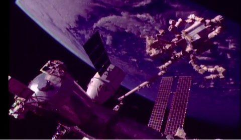 NASA streamet live i fire timer fredag mens instrumentet fra Bergen ble fraktet over til romstasjonen.