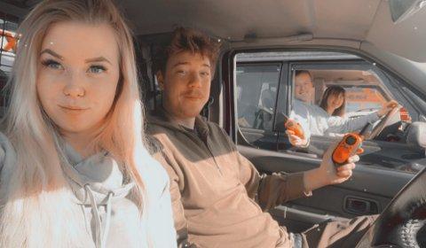 UT PÅ TUR: Sonja Brandtzæg (t.v.), kjæresten Haakon Gabrielsen og venneparet Kasper Markegård og Victoria foss har pakket bilene og reist på tur i påsken.