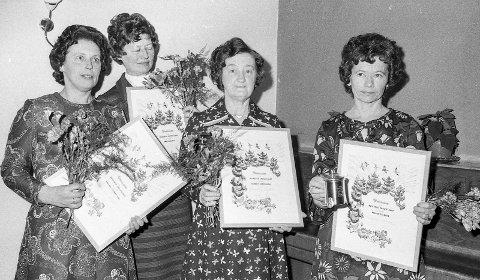 «Mødre» for mange grantrær: Har en million skogplanter på samvittigheten skrev en avis om disse fire damene som ble hedret for sin innsats i skogen. Fra venstre Alfhild Johanne Foss, Vestfossen, Anna Horsrud, Skotselv, Hjørdis Koppergård, Skotselv og Reidun Solberg, Vestfossen.