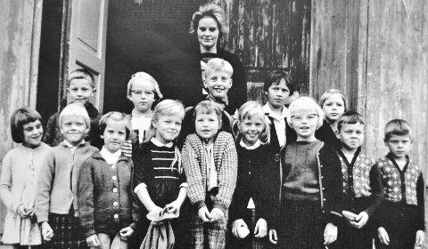 Klassebilde: Årene 1964/65 ved Darbu skole.