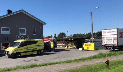Det var ved en byggehandler på Rolvsøy ulykken inntraff tirsdag ve 11-tiden.