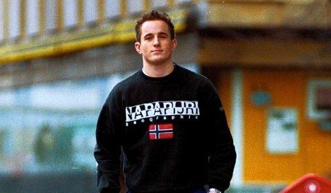 88 A-KAMPER: Kent Ruben Olsen spilte 88 A-kamper for Stjernen etter å ha gått alle gradene i klubben helt fra ishockeyskolen. Han ble bare 40 år. Bildet er tatt i forbindelse med en sak i Fredriksstad Blad i 1999.